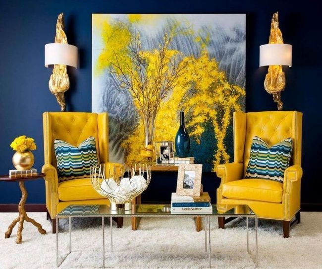 Thiết kế nội thất văn phòng sử dụng màu sắc tương phản