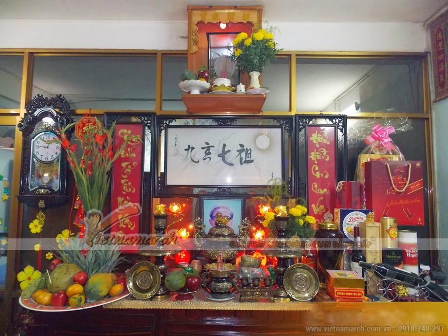 Bàn thờ người Hoa trang trí khác biệt với bàn thờ người Việt