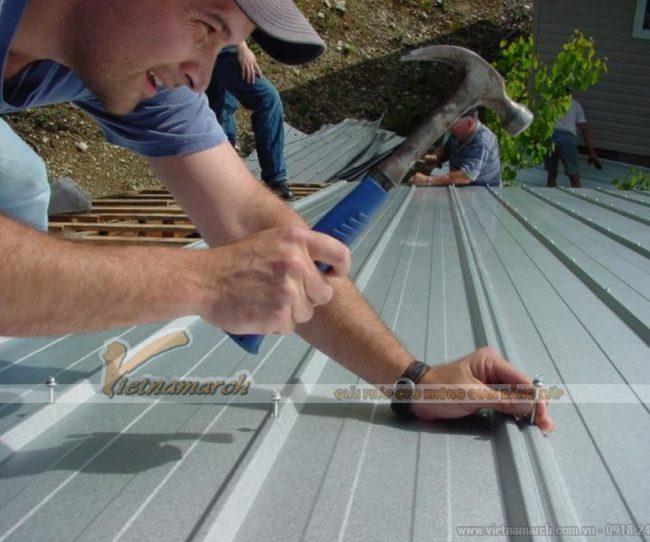 Thi công lợp nhà mái tôn