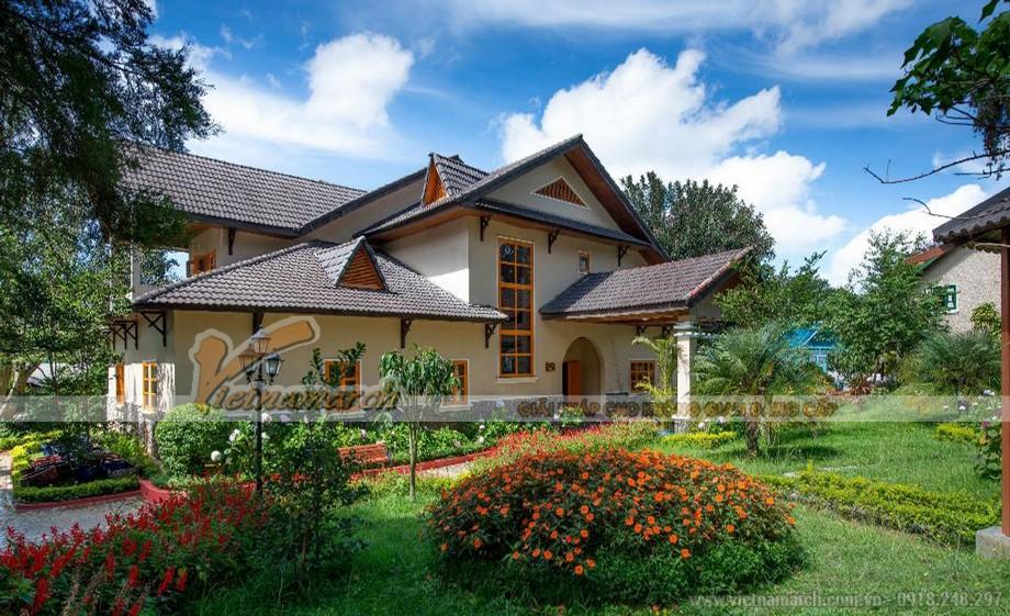 Mẫu biệt thự nhà vườn cấp 4 mái Thái ở nông thôn