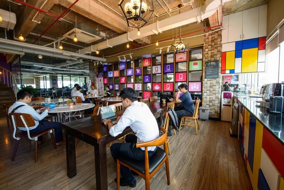 Không gian coworking theo phong cách quán cà phê