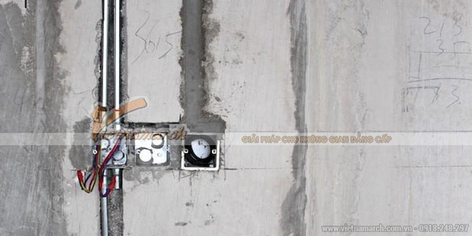 Đi đường ống và hoàn thành đi dây điện âm tường