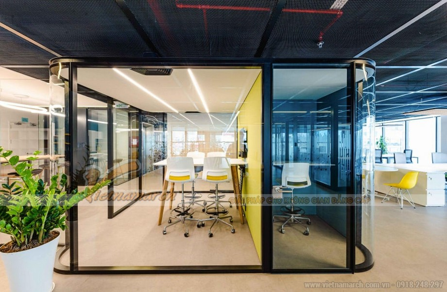 Các phòng làm việc riêng tư có diện tích to nhỏ khác nhau đáp ứng mọi nhu cầu sử dụng của doanh nghiệp từ nhỏ đến lớn