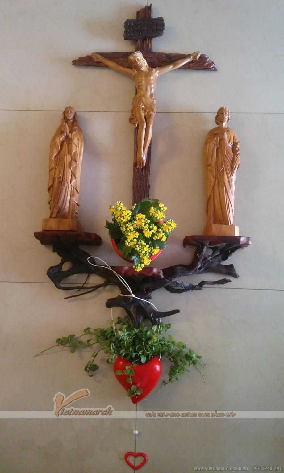 Mẫu bàn thờ thiên chúa kiểu gốc cây