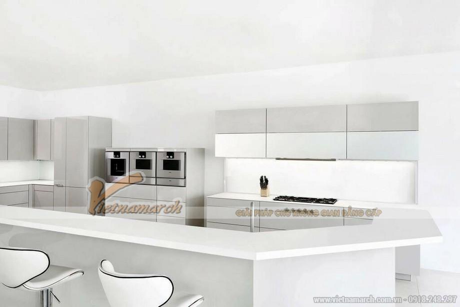 Tủ bếp màu trắng sang trọng và quý phái