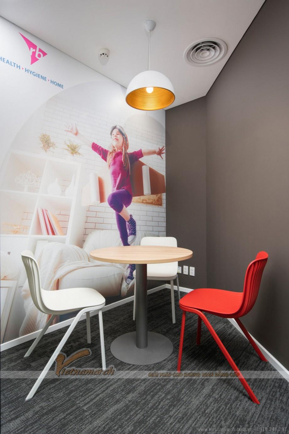Thiết kế văn phòng chăm sóc sức khỏe RB Hearlth tại thành phố HCM