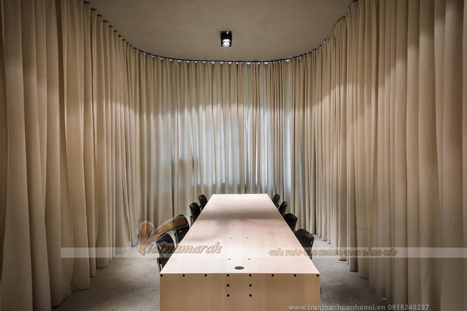 Ý tưởng thiết kế rèm làm vách ngăn văn phòng tiện nghi
