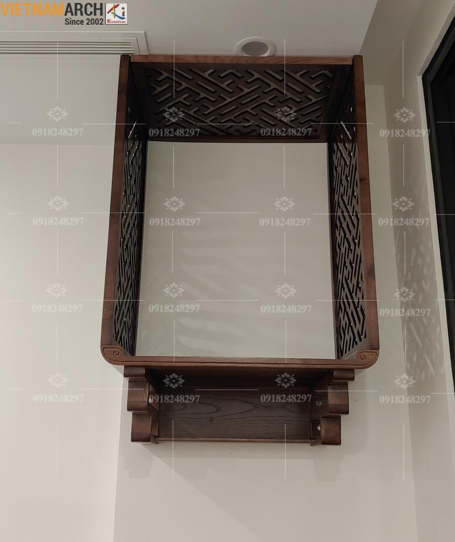 Mẫu bàn thờ treo gỗ sồi kèm vách ngăn giá tận xưởng cho chung cư Vinhomes Shymphony Reverside Long Biên - BTT07