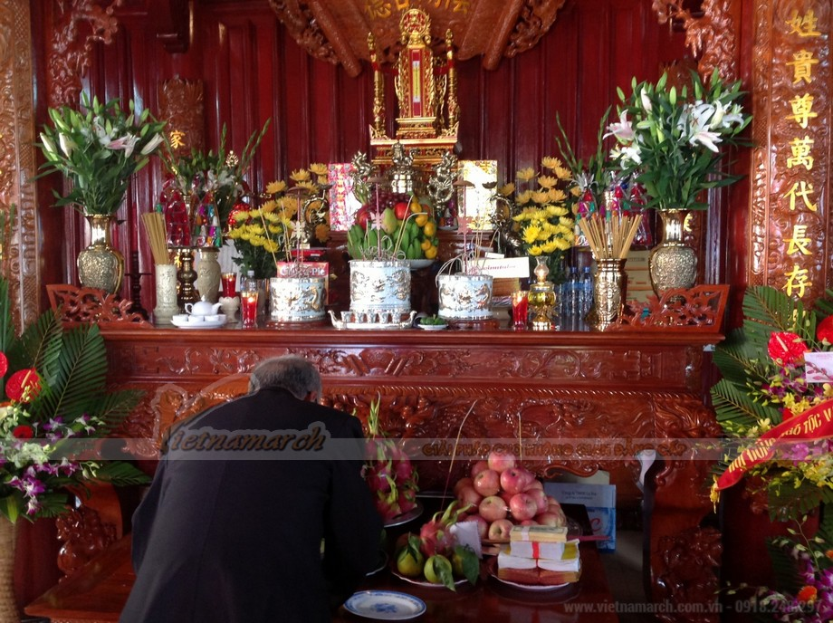 Bàn thờ có 3 bát hương được đánh giá tốt và đầy đủ nhất theo phong thủy