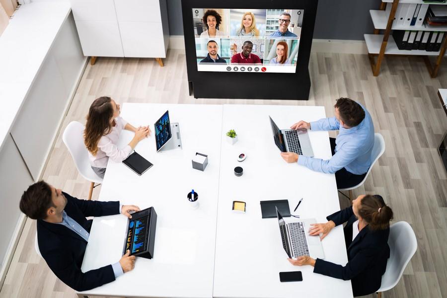 Mọi người có thể kết nối với nhau dễ dàng trong văn phòng Hydrit
