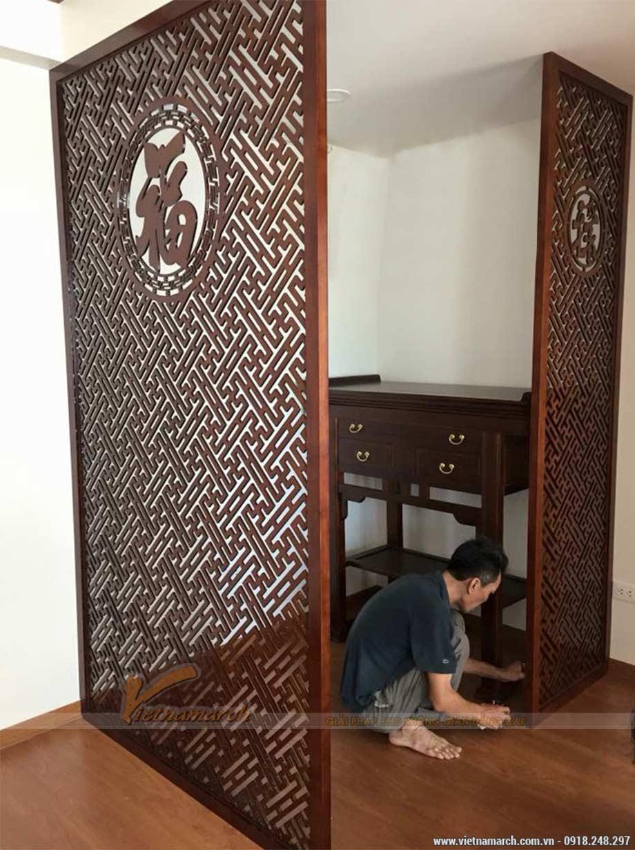 Cách hóa giải bàn thờ xung với cửa bằng sử dụng vách ngăn