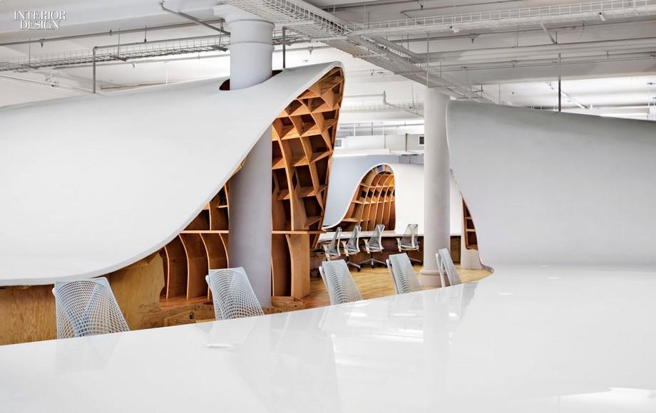 Mặt bàn văn phòng được làm chất liệu gỗ cao cấp sơn trắng tinh khiết