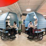"""Thiết kế văn phòng """" ngôi nhà xe ba bánh"""" với xu hướng không gian động thịnh hành 2021"""