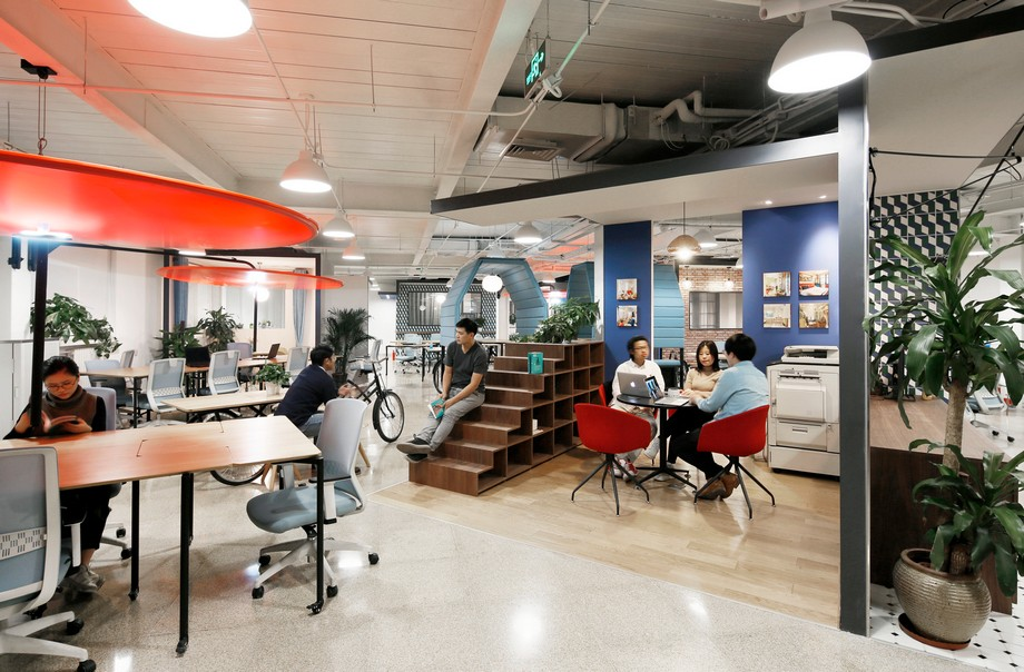 Thiết kế phòng làm việc tập trung với xu hướng nội thất di động thịnh hành 2021