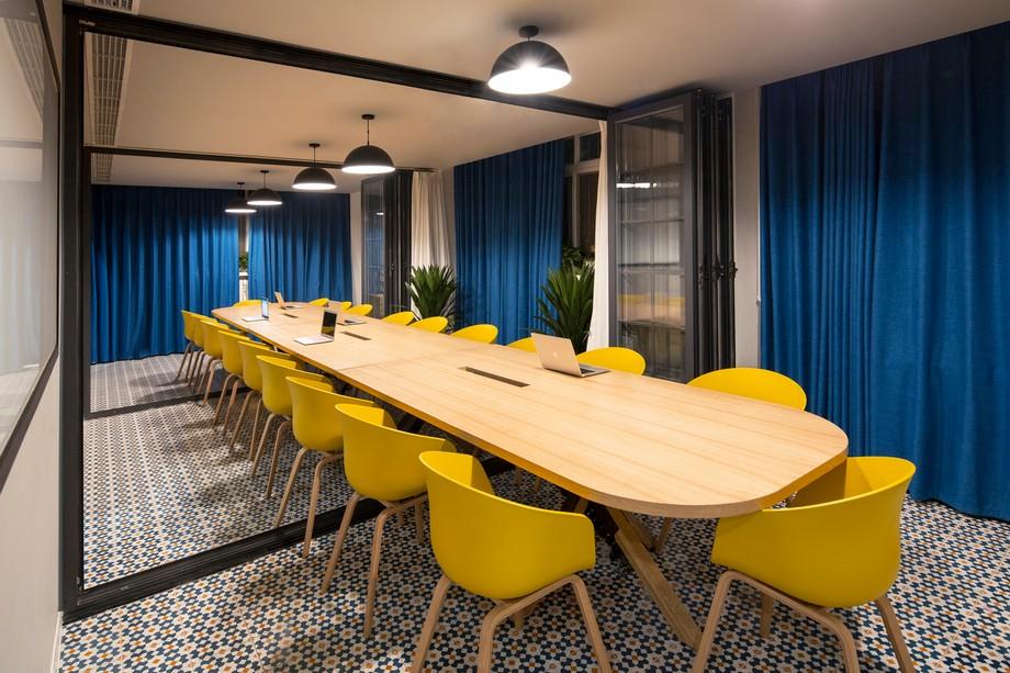Thiết kế phòng họp trong không gian làm việc chung