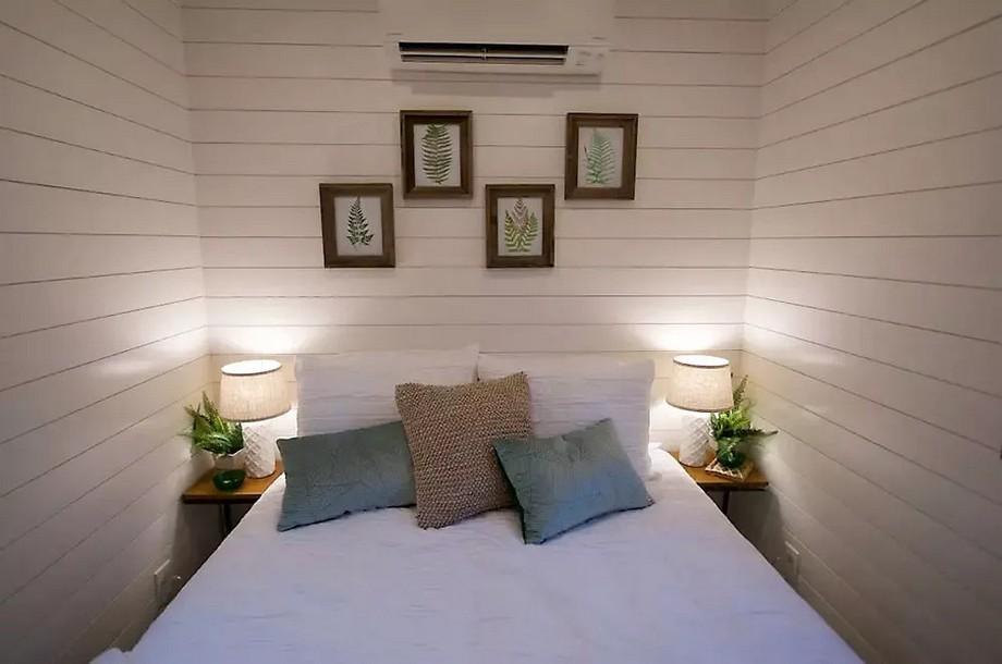 Phòng ngủ được thiết kế đơn giản sang trọng