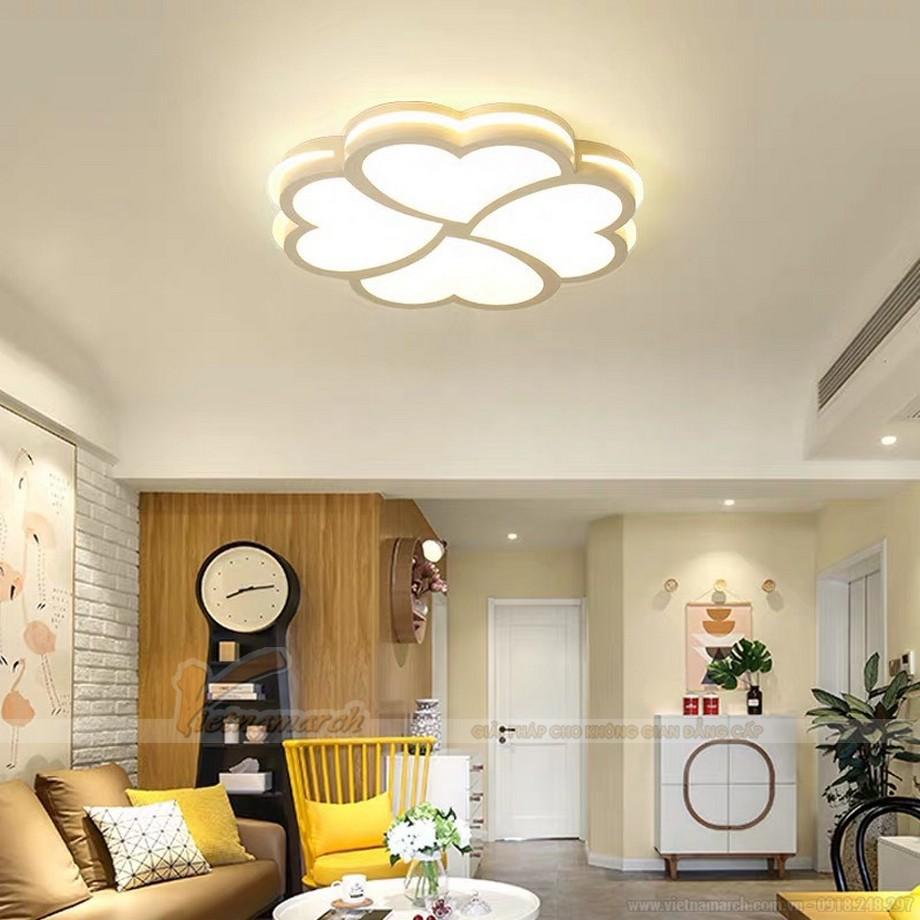 Mẫu đèn la phông phòng khách đẹp cho chung cư hình bông hoa