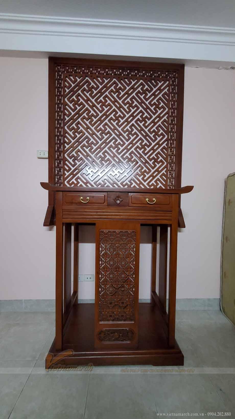 Thiết kế mẫu bàn thờ gia tiên BTD03 được chị Oanh lựa chọn lắp đặt cho phòng thờ gia đình