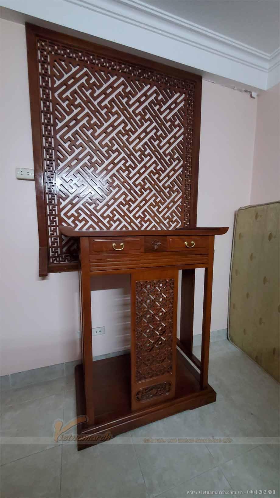 mẫu bàn thờ gia tiên BTD03 được chị Oanh lựa chọn lắp đặt cho phòng thờ gia đình