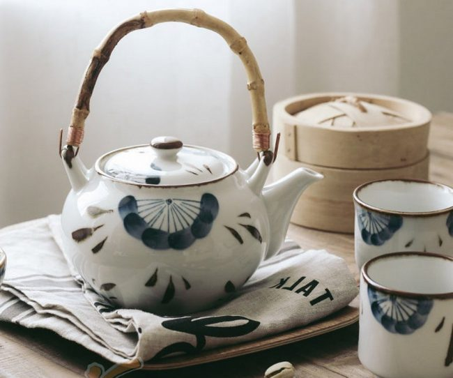 bộ ấm trà gốm sứ Nhật Bản vẽ thủ công