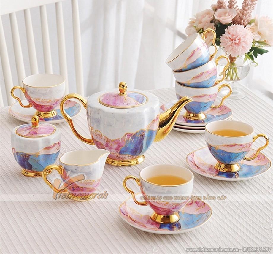 bộ ấm trà đẹp cực phẩm phong cách Châu Âu sau đây sẽ tạo nên những điểm nhấn đắt giá cho phòng khách nhà bạn
