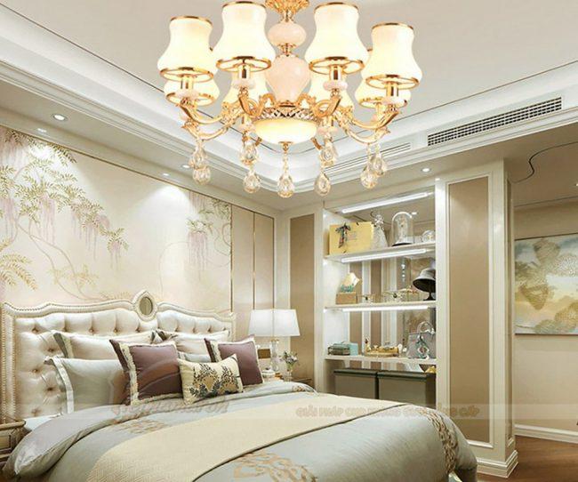 Đèn ngủ trang trí phòng ngủ tân cổ điển