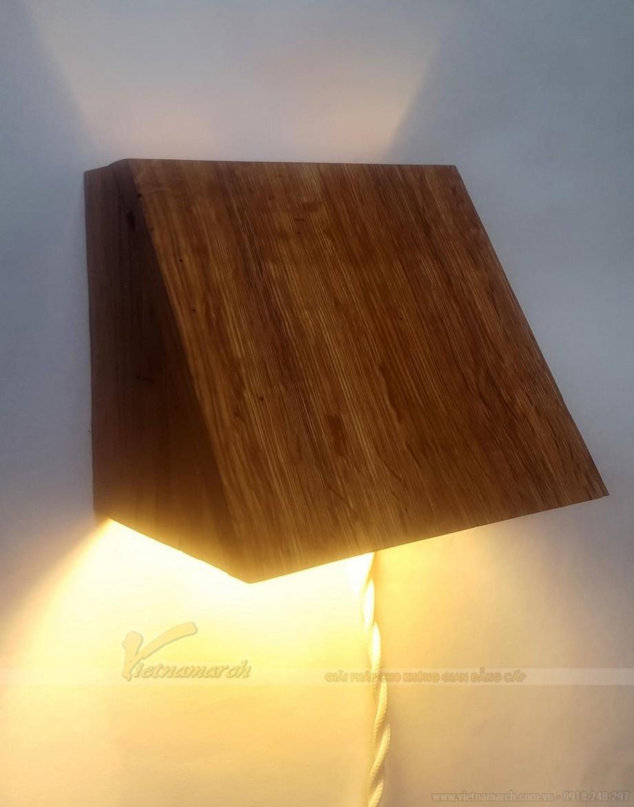 Đèn ngủ treo tường gỗ được nhiều người lựa chọn