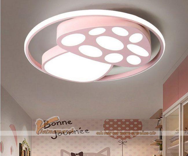Mẫu đèn hình nấm hồng cho phòng ngủ trẻ sơ sinh