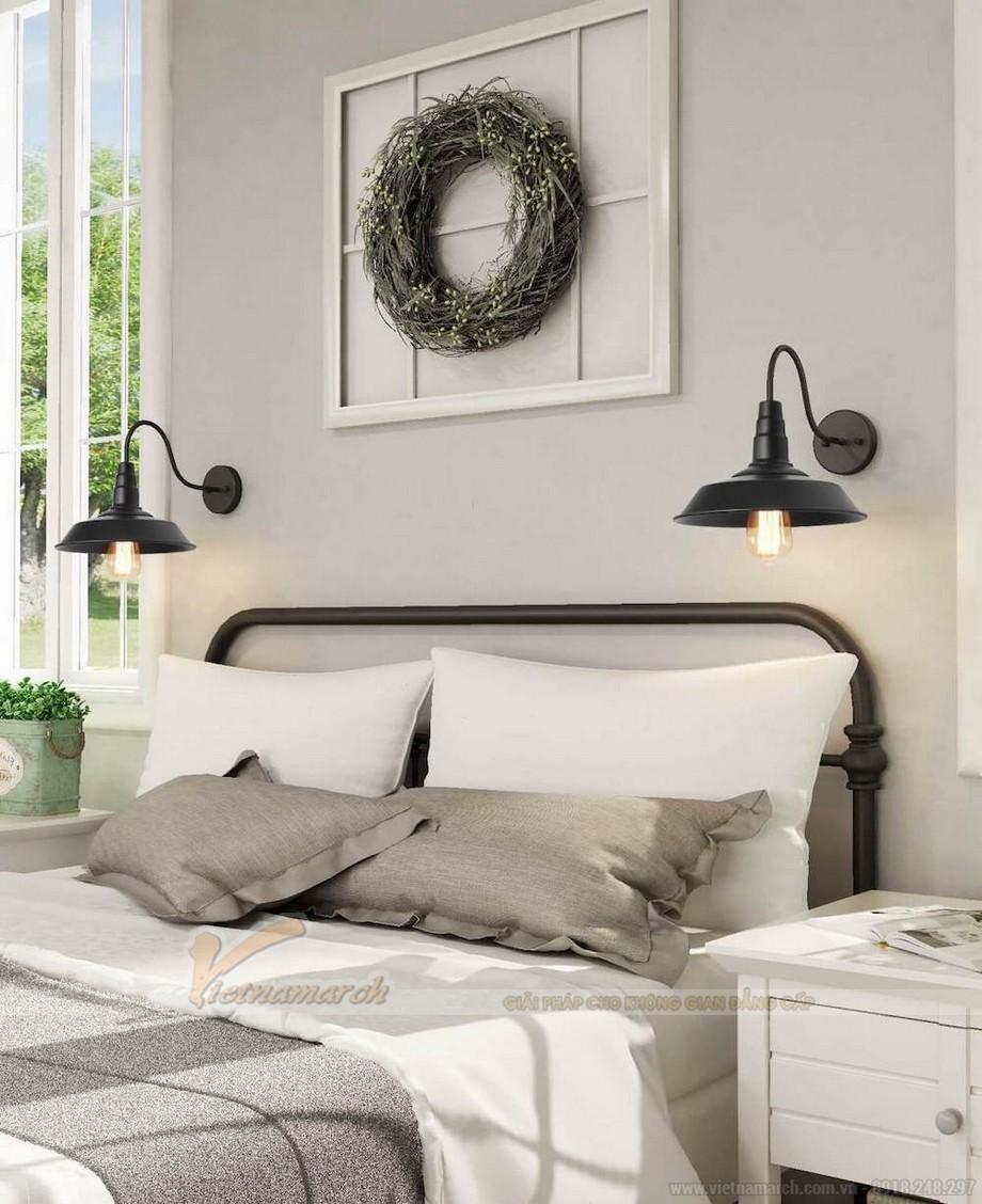 Đèn ngủ treo tường chất liệu kim loại