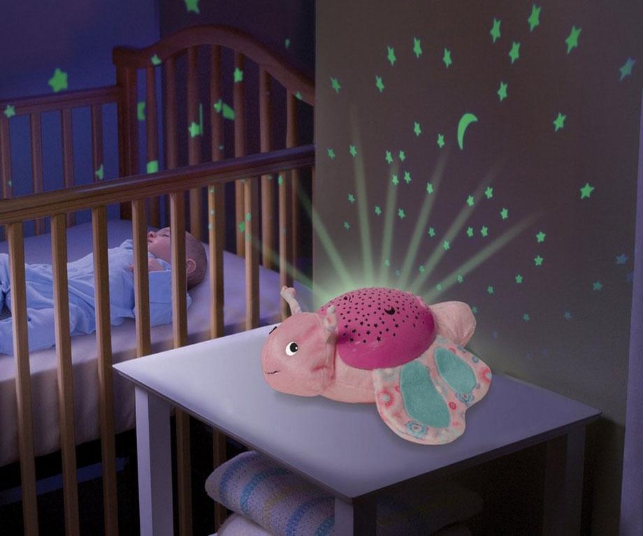 Nên dùng loại đèn có ánh sáng như thế nào cho trẻ sơ sinh?